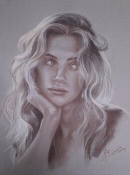 Портрет девушки сепия, пастель на темной бумаге.